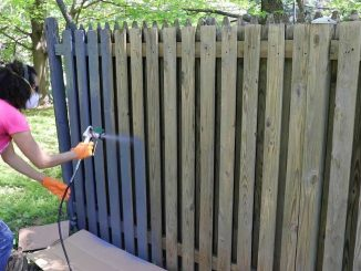 how-to-use-a-paint-sprayer-to-paint-a-wood-fence1