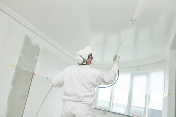 You-can-paint-a-ceiling-with-a-sprayer