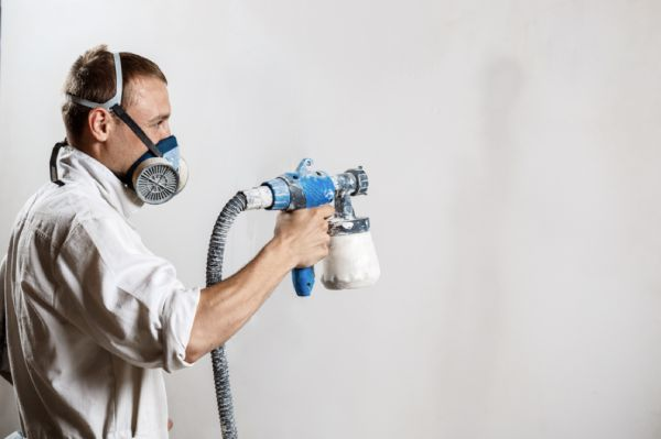 You-should-wear-protection-mask-when-spraying-paint-indoors